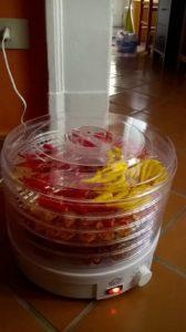 Essiccatore con peperoncini